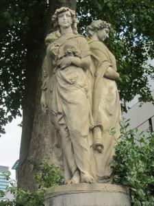 Cambridge Terrace Statues