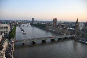 1200px-River_Thames_and_Westminster_Bridge,_London-17Aug2009